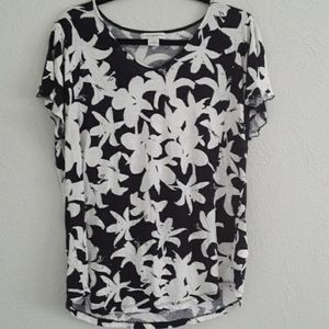 Liz Claiborne XL black and white tee